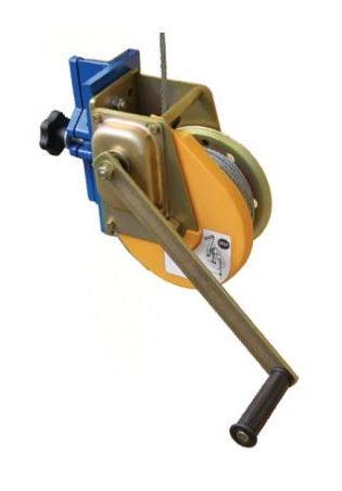 Winch with automatic brake
